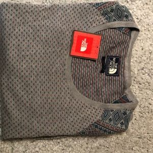North Face Lace Leaf Sweater Large